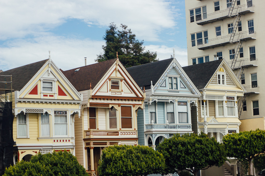 Alamo square park painted ladies San Francisco homes Victorian architecture