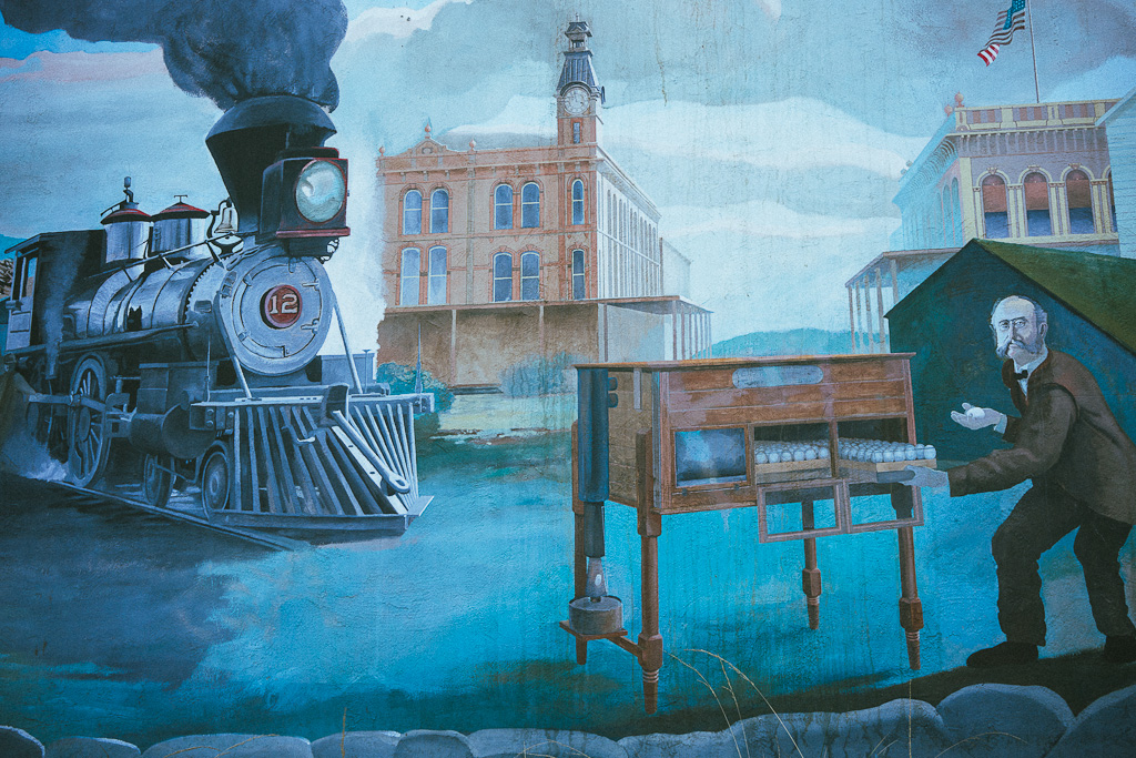 Mural in downtown Petaluma