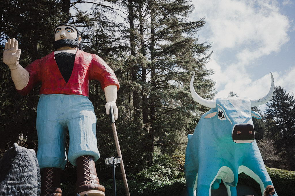 Paul Bunyan and Babe the blue Ox at Trees of Mystery